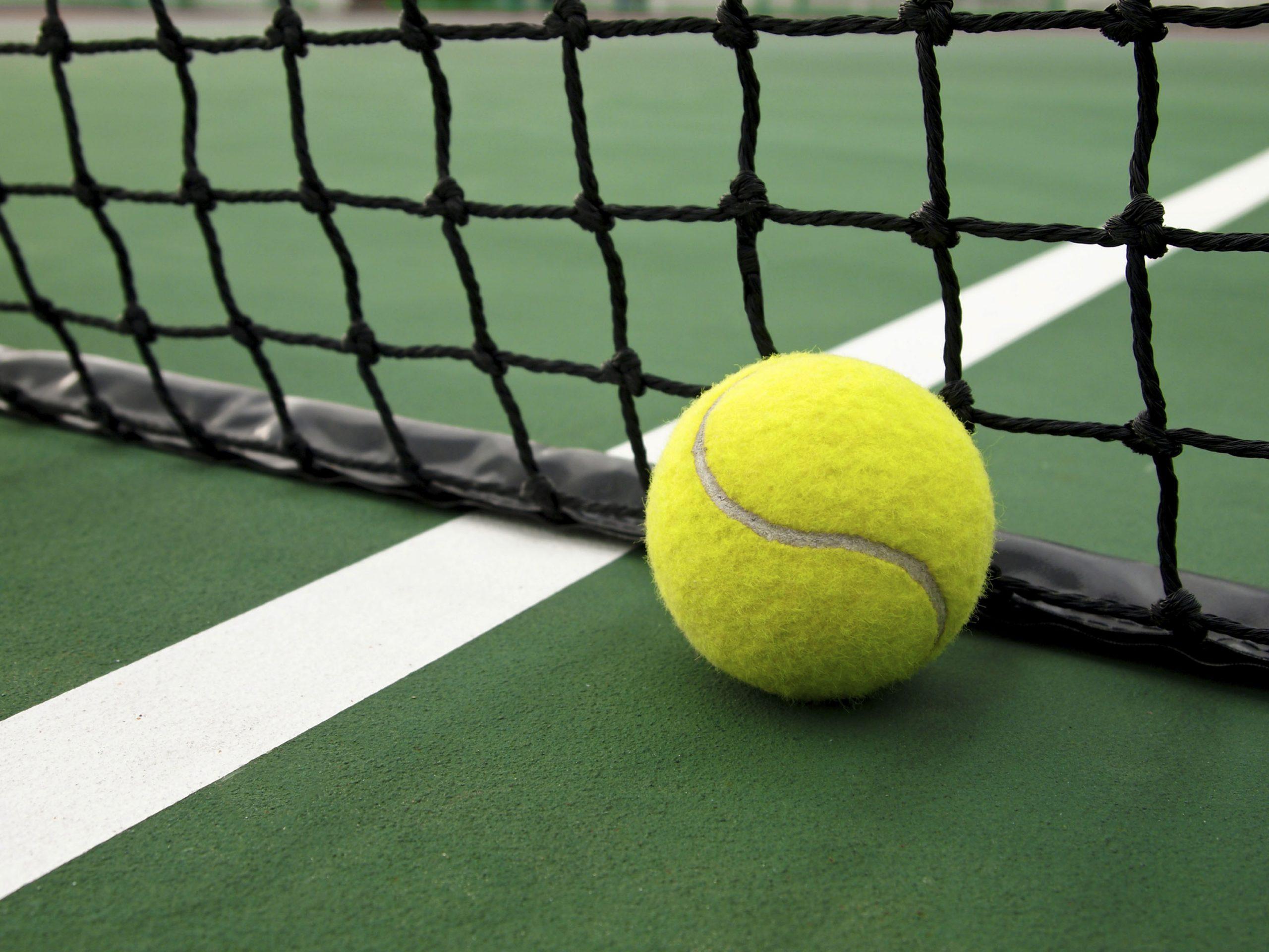 Как да се научим да играем тенис на корт